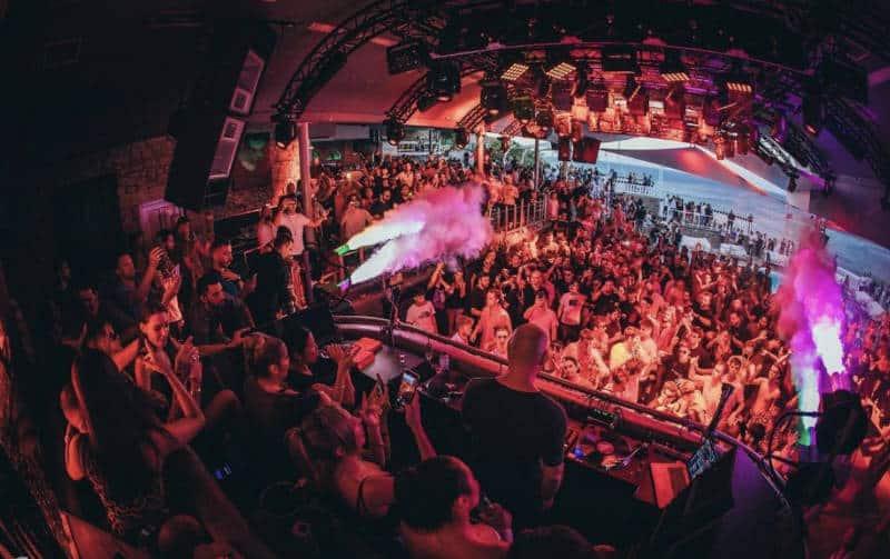 mykonos party nightlife
