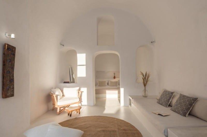 white cellar oia villa santorini